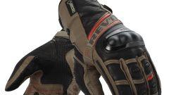 REV'IT!: guanti Cayenne Pro e Dominator GTX - Immagine: 1