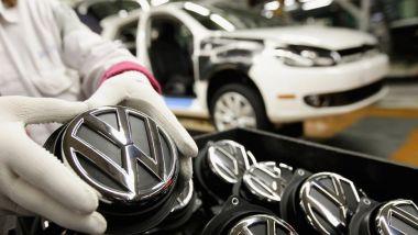 Richiami in vista per Porsche e Volkswagen