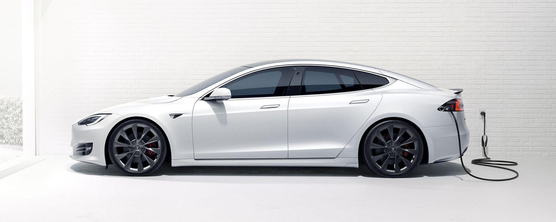 Richiamo Tesla per Model S e Model X