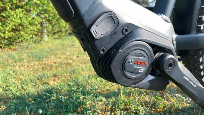 Riese & Müller Charger3 GT Vario: motore centrale Bosch Performance Line CX