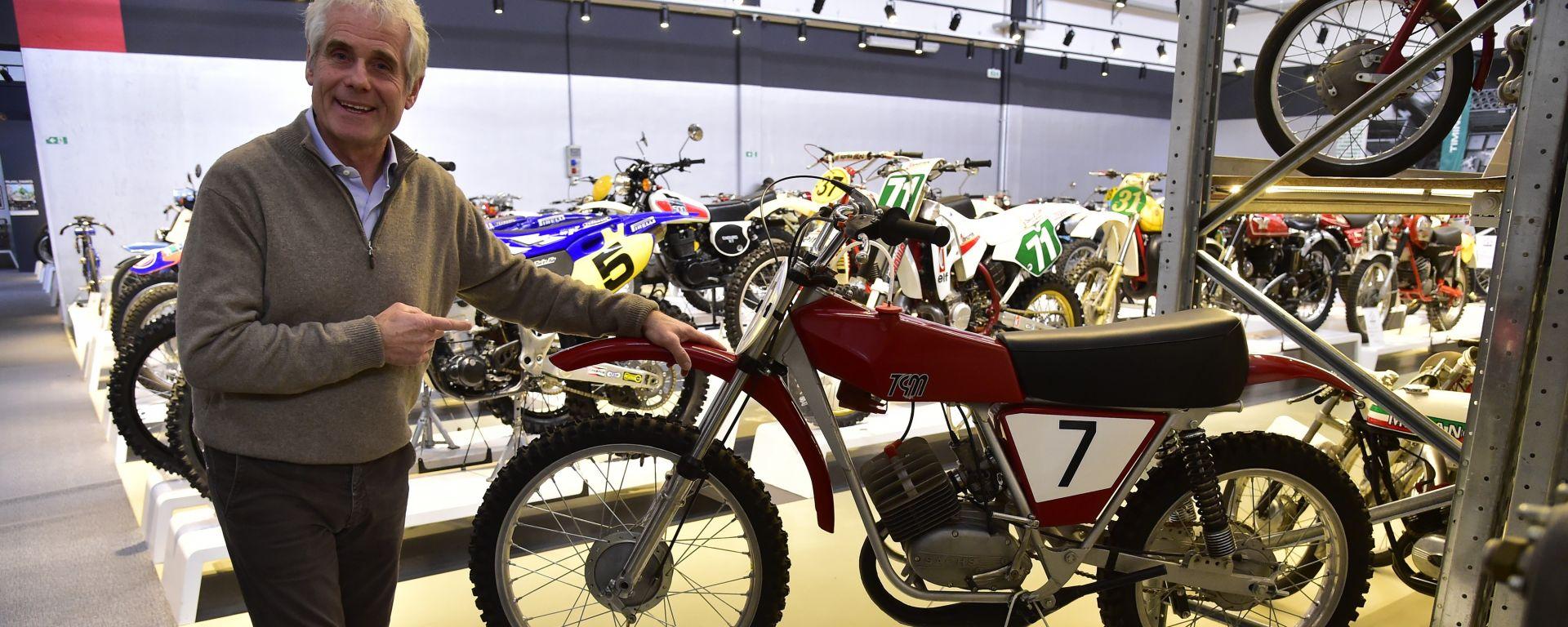 Rinaldi con uno storico modello motocross