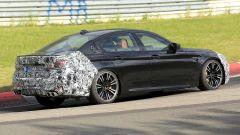 Ritocchi anche al posteriore per la BMW M5 facelift