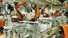 Robot industriali sulle linee di produzione BMW
