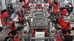 Hacker: i robot che fabbricano auto e moto sono a rischio - Immagine: 1