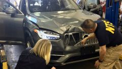 Guida autonoma, l'Arizona sospende i test. Tutti i problemi di Uber