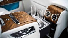 Rolls Royce Cullinan: champagne?