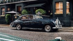 Rolls-Royce Phantom V by Lunaz Design limousine dal cuore elettrico