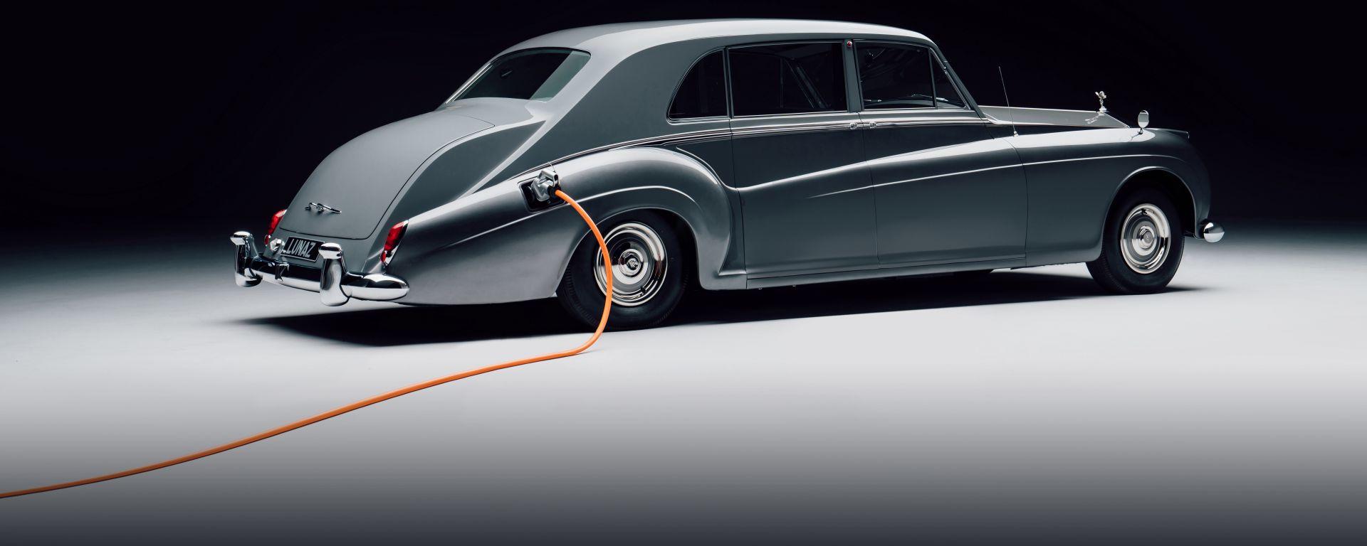 Rolls-Royce Phantom V by Lunaz Design