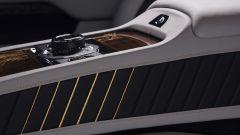 Rolls-Royce Wraith Eagle VIII: dettaglio tunnel centrale