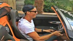 Ronaldo e la sua collezione: al volante della Veyron