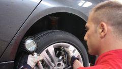 Come fare per una corretta rotazione degli pneumatici - Immagine: 1