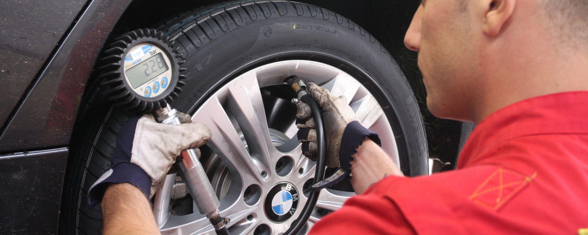Come fare per una corretta rotazione degli pneumatici