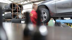 Come fare per una corretta rotazione degli pneumatici - Immagine: 4