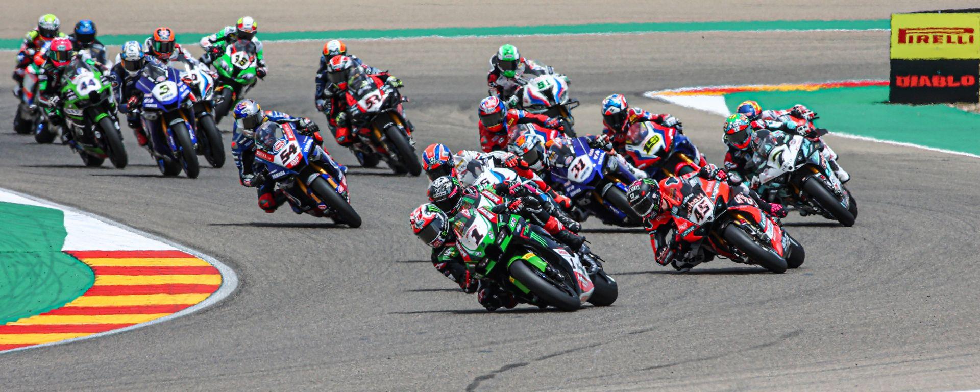 Round Superbike Aragon 2021, la partenza della prima gara del mondiale