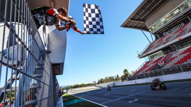 Round Superbike Barcellona 2021, Jonathan Rea (Kawasaki) vince la Superpole Race davanti a Toprak Razgatlioglu (Yamaha)