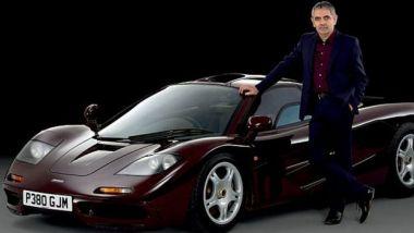 Rowan Atkinson con la sua McLaren F1