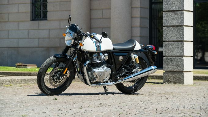 Royal Enfield Continental GT 650: la colorazione Ice Queen