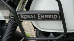 Royal Enfield Himalayan: molto scenografiche le protezioni per il serbatoio