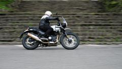 Royal Enfield Himalayan: su strada non ama la guida sportiva