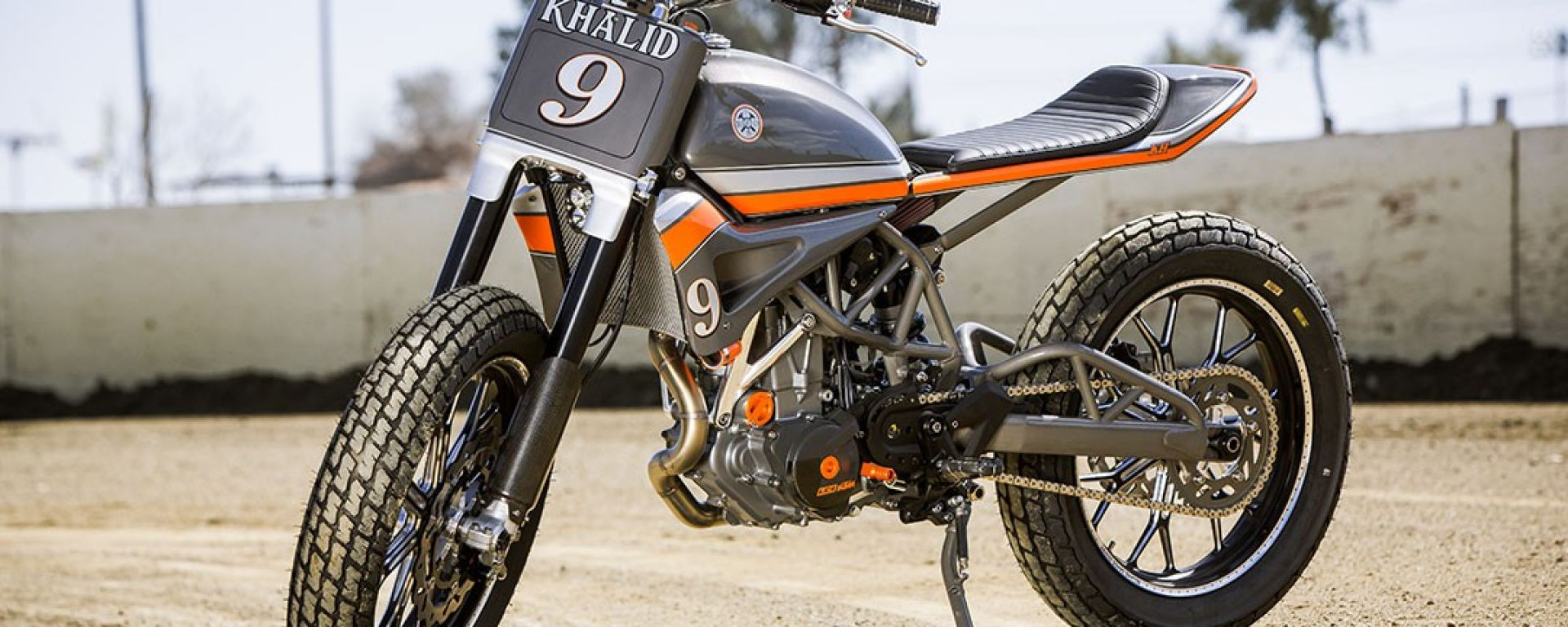 KTM 690 Tracker