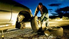 How to change a car tyre - Immagine: 2