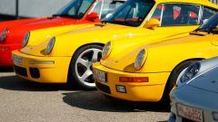 RUF Yellowbird: la versione 2017 e quella del 1987 a fianco