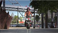 Ryno: quando lo scooter (elettrico) ha una ruota sola - Immagine: 6