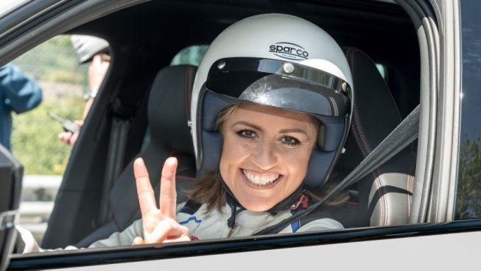 Sabine Schmitz alla guida del Ring Taxi