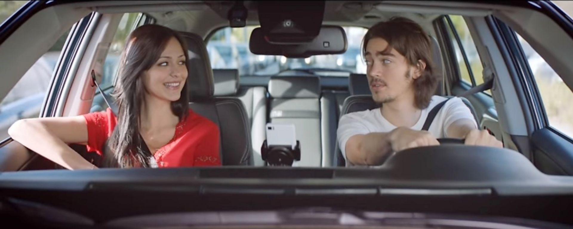 Safe & Soud app by Toyota: un momento del video