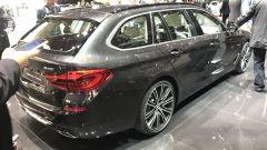 Salone di Ginevra 2017, BMW 540i Touring, vista posteriore