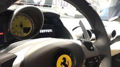 Salone di Ginevra 2017, Ferrari 812 Superfast, dettagli ravvicinati del cruscotto