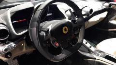 Salone di Ginevra 2017, Ferrari 812 Superfast, particolare del cruscotto (2)