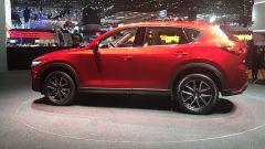Salone di Ginevra 2017, Mazda CX-5, vista laterale