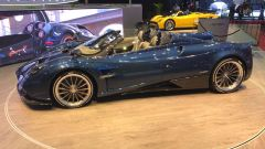 Salone di Ginevra 2017, Pagani Huayra Roadster, vista laterale