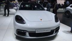 Salone di Ginevra 2017, Porsche Panamera 4 e-hybrid, vista anteriore