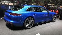 Salone di Ginevra 2017, Porsche Panamera 4S Sport Turismo, vista laterale destra
