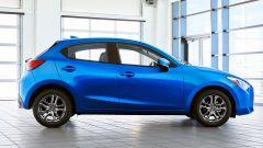 Nuova Toyota Yaris, sotto il vestito c'è una Mazda2 - Immagine: 2