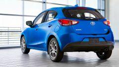 Nuova Toyota Yaris, sotto il vestito c'è una Mazda2 - Immagine: 3