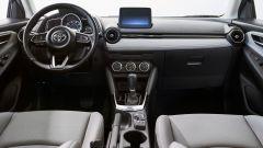 Nuova Toyota Yaris, sotto il vestito c'è una Mazda2 - Immagine: 7