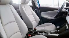 Nuova Toyota Yaris, sotto il vestito c'è una Mazda2 - Immagine: 9