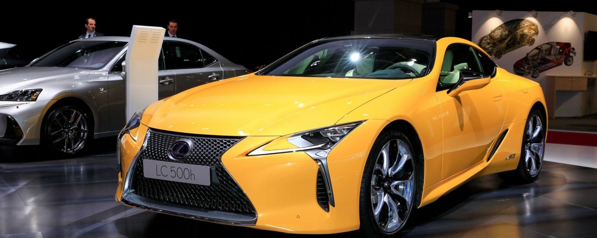 Lexus LC Hybrid Yellow Edition: le foto live da Parigi 2018