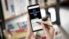 Samsung Galaxy Note 8: sottolinei una frase e lui la traduce in 71 lingue
