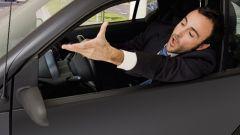 Litigi stradali: bloccare un'altra auto è reato di violenza privata