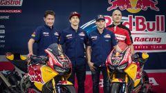SBK 2017: Nicky Hayden e Stefan Bradl hanno presentato il nuovo Red Bull Honda Superbike Team - Immagine: 1