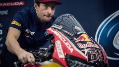 SBK 2017: Nicky Hayden e Stefan Bradl hanno presentato il nuovo Red Bull Honda Superbike Team - Immagine: 9