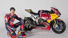 SBK 2017: Nicky Hayden e Stefan Bradl hanno presentato il nuovo Red Bull Honda Superbike Team - Immagine: 14