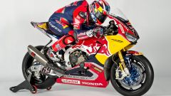SBK 2017: Nicky Hayden e Stefan Bradl hanno presentato il nuovo Red Bull Honda Superbike Team - Immagine: 20