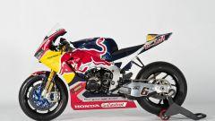 SBK 2017: Nicky Hayden e Stefan Bradl hanno presentato il nuovo Red Bull Honda Superbike Team - Immagine: 27