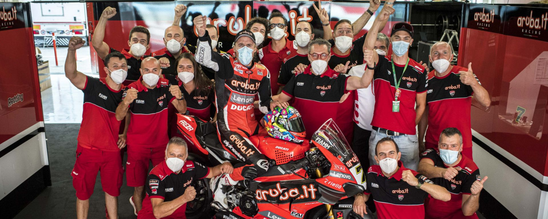 SBK Estoril: Chaz Davies saluta la Ducati con una vittoria