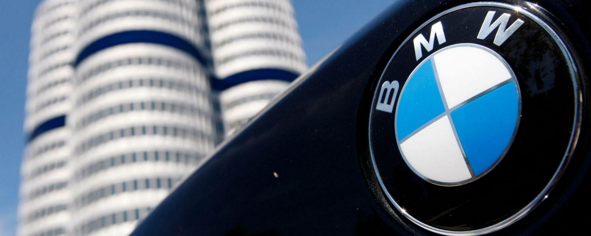 Scandalo test con scimmie, anche BMW allontana suo dipendente